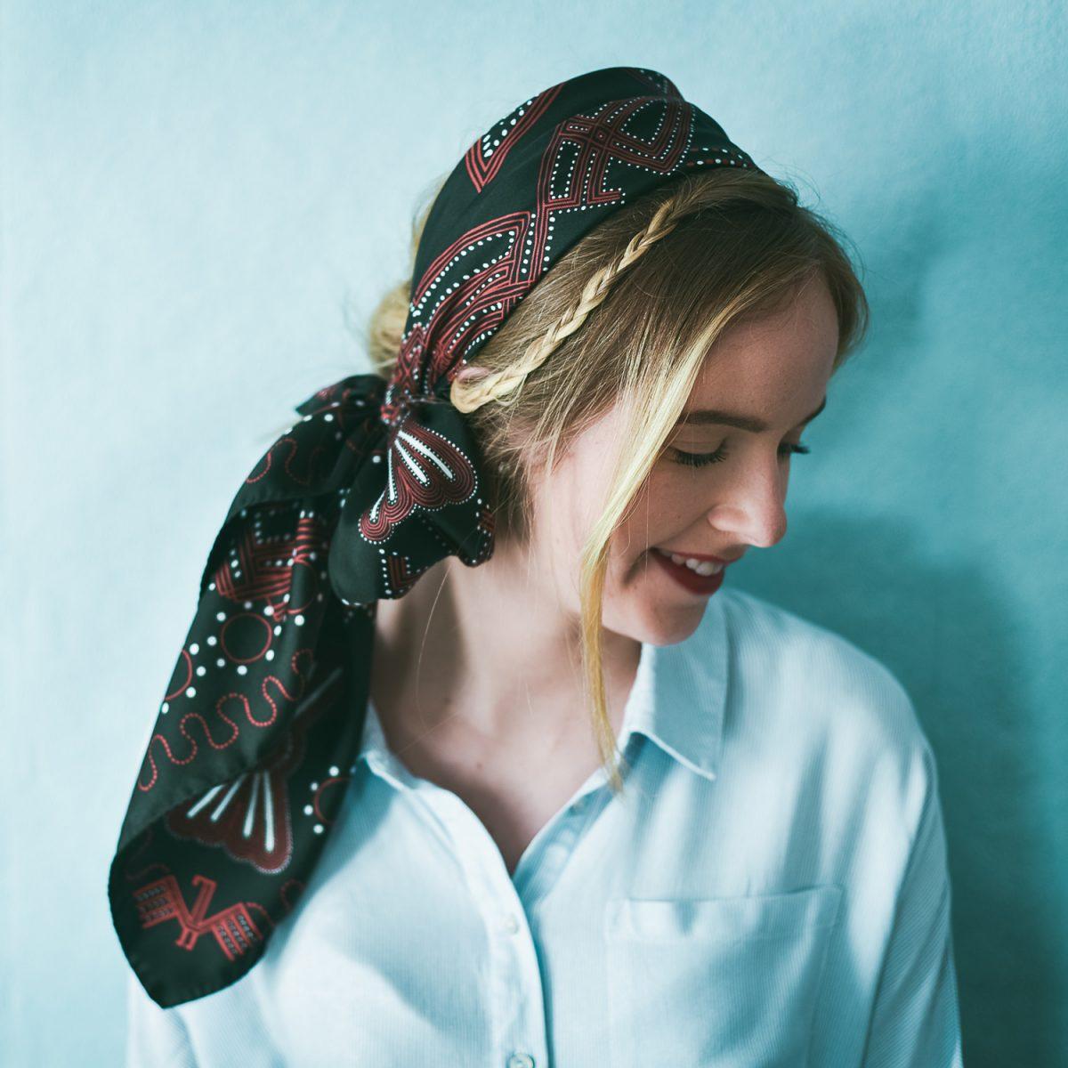 Âmulet Foulard Messenger Black Hawk fashion headwrapped style