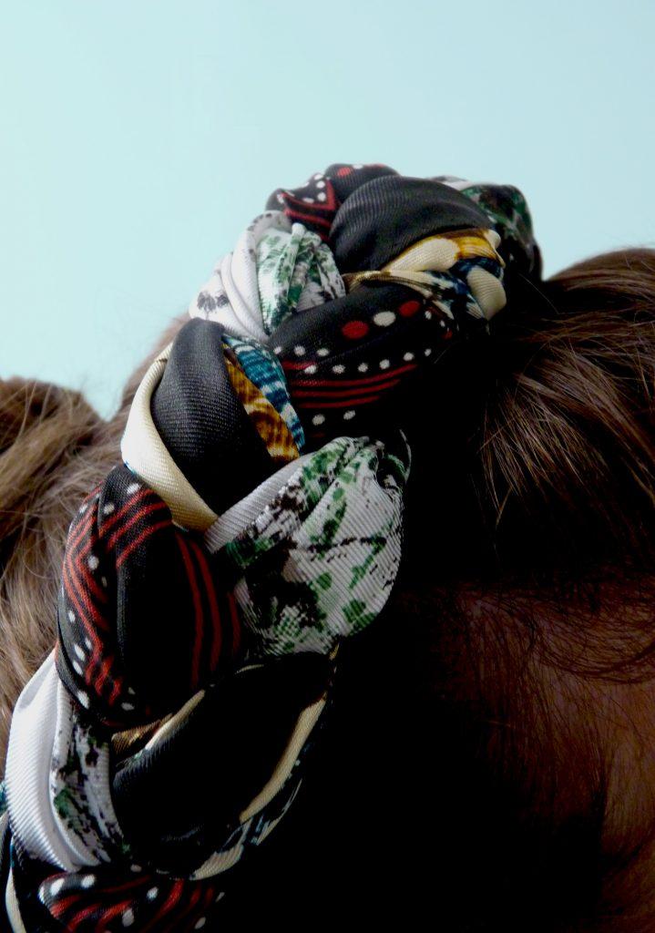 âmulet-colliers-de-soie-silk-necklace-detail-fashion-knotted-style