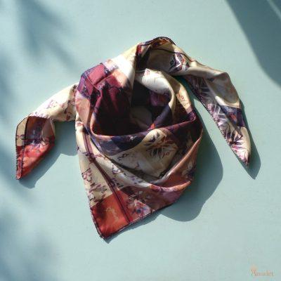 amuletfoulard-carre-cluaran-foulard-scarf-twill-silk-soie-made-in-france-nouveaute-new-original-design-printsilk-scarflovers-fashionscarf-luxe
