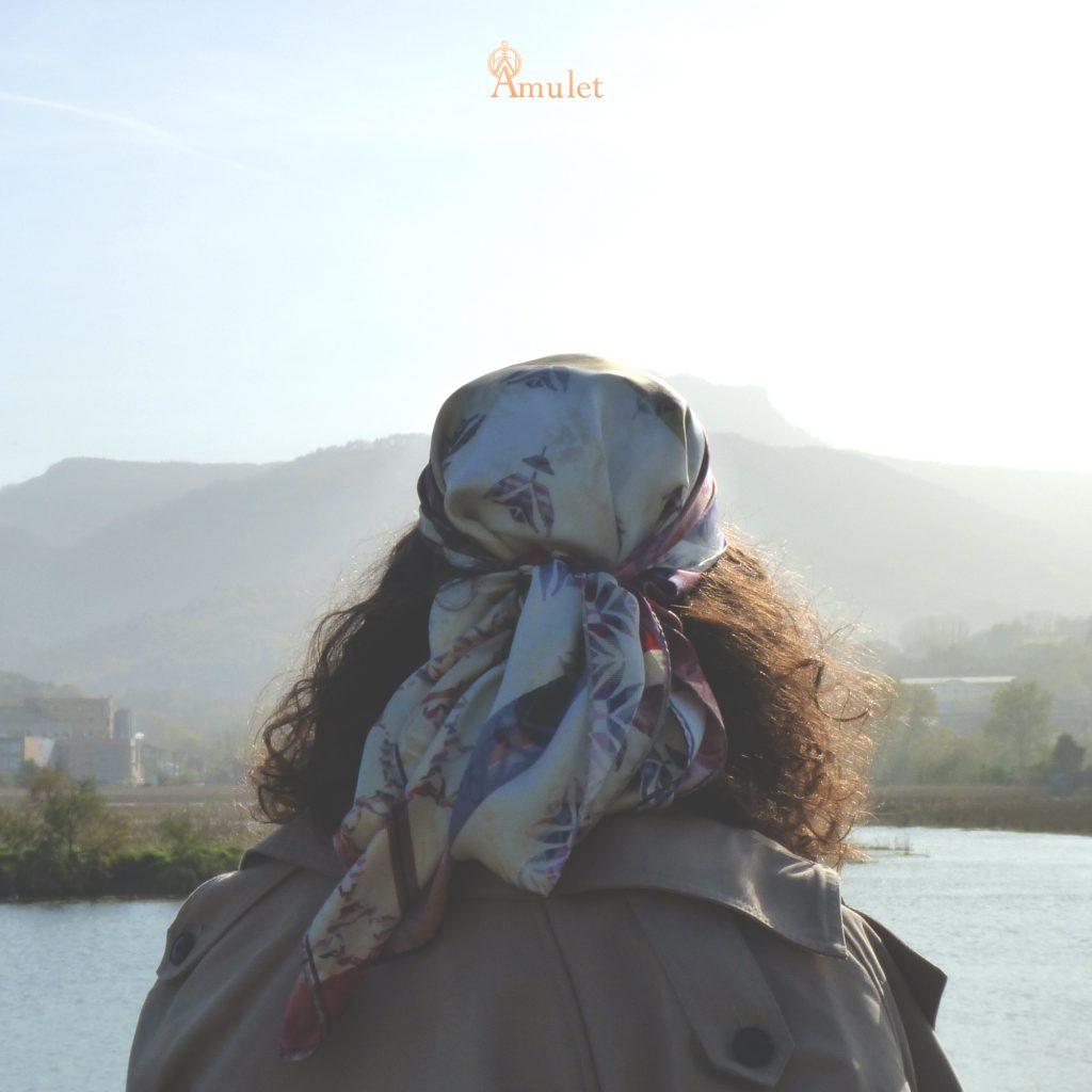 amuletfoulard-carre-cluaran-scarf-silk-foulard-soie-made-in-france-atmosphere-mood-voyage-travel-journey