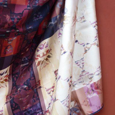 amuletfoulard-carre-twill-soie-cluaran-silktwill-scarf-made-in-france-original-design-scarflovers-colors-paysbasque-2021